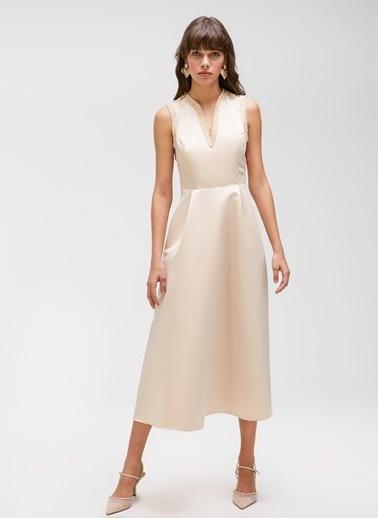 People By Fabrika Şerit Detaylı Saten Elbise Bej